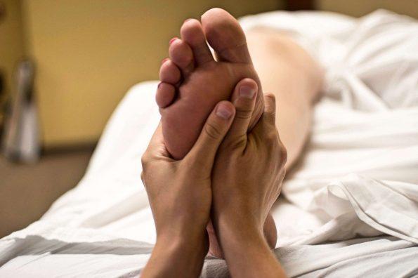 Fascitis plantar, tratamiento con masaje